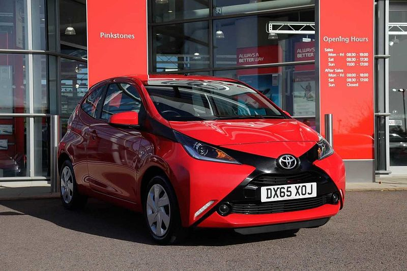 Toyota AYGO 1.0 x-play 3-Dr