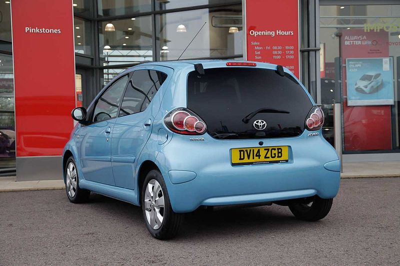 Toyota AYGO 1.0  Move With Style 5-Dr SATNAV & ALLOYS